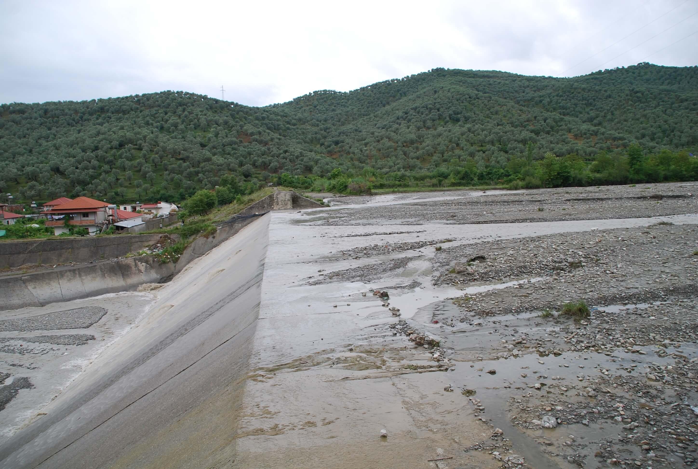 felixx-elbasan-river1.jpg